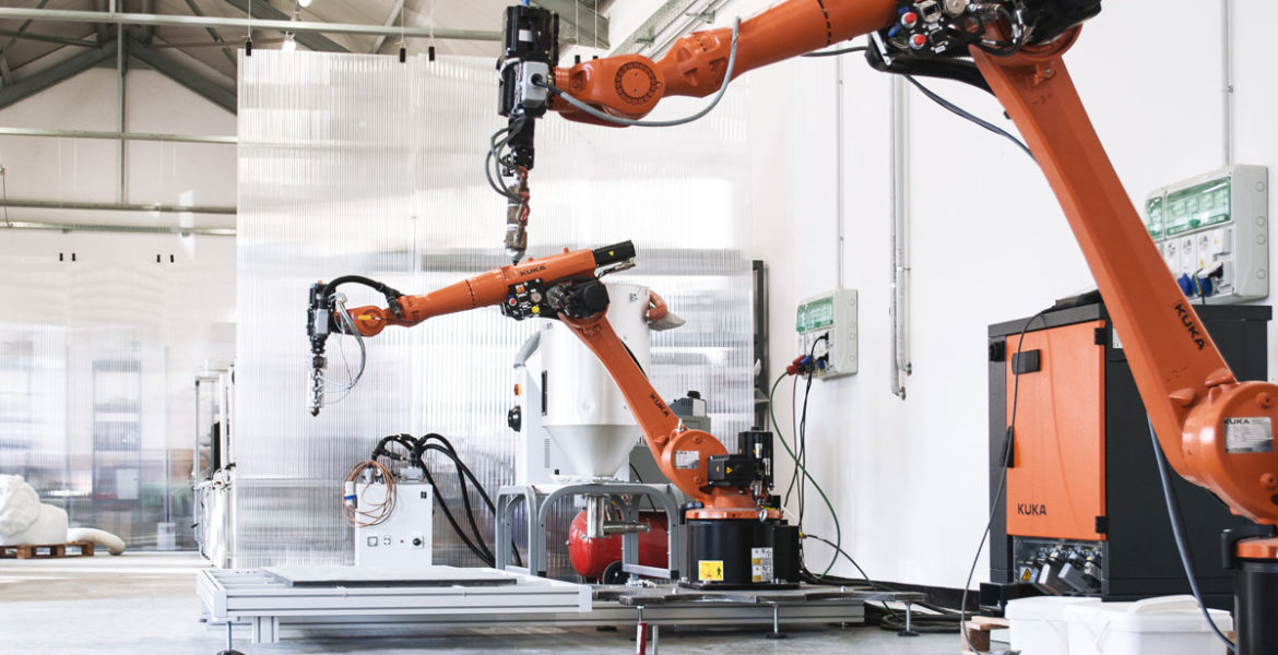 With 3D printing against corona: KUKA Robots print protective equipment in Northern Italy